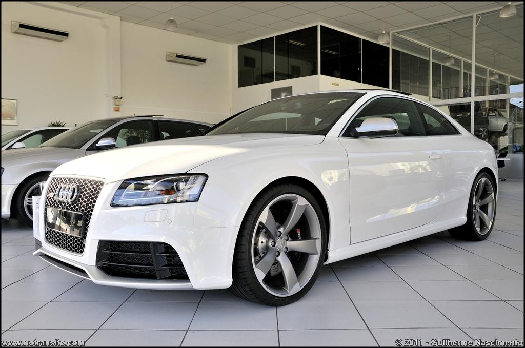 Audi Rs5 In Brazil White W Black Interior Luxury4play Com
